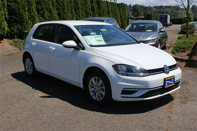 New 2018 Volkswagen Golf Tsi S 4 Door