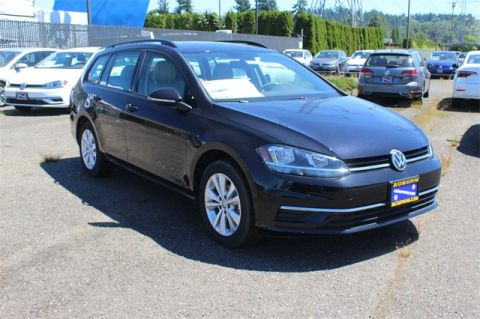 Pre-Owned 2019 Volkswagen Golf SportWagen S 4Motion