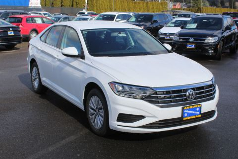 New 2019 Volkswagen Jetta R-Line 4D Sedan in Auburn #K10827