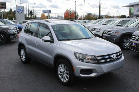 Certified Pre-Owned 2017 Volkswagen Tiguan Limited 4Motion
